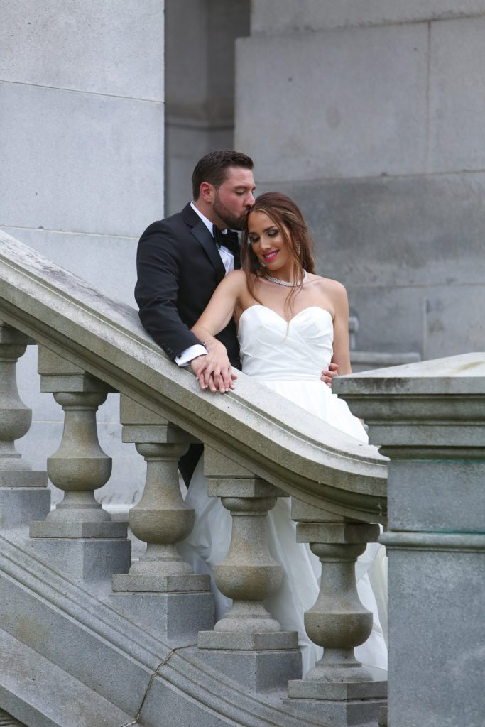bride_and_groom_albany_capitol