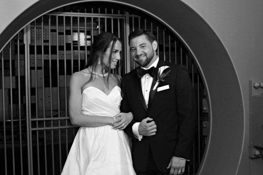 bride_and_groom_vault