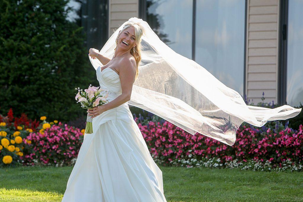 bride_with_veil