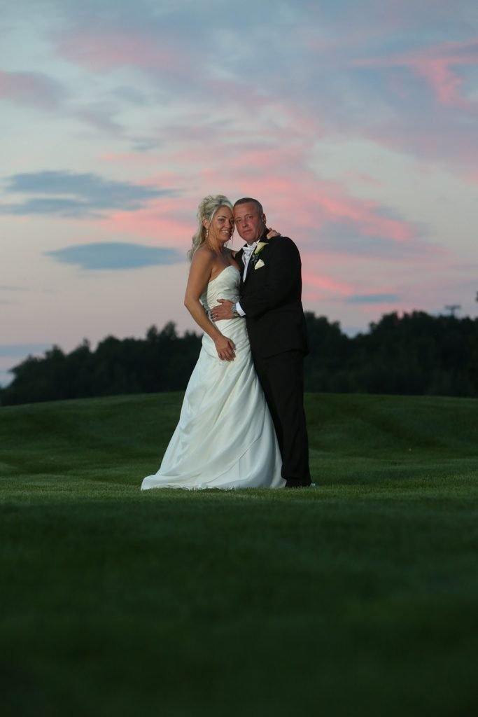 bride_and_groom_sunset