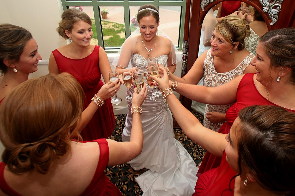 bridesmaids_cheers