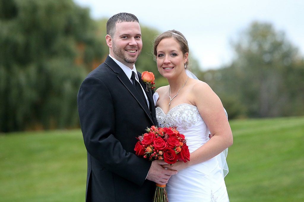 bride_and_groom_fall_wedding